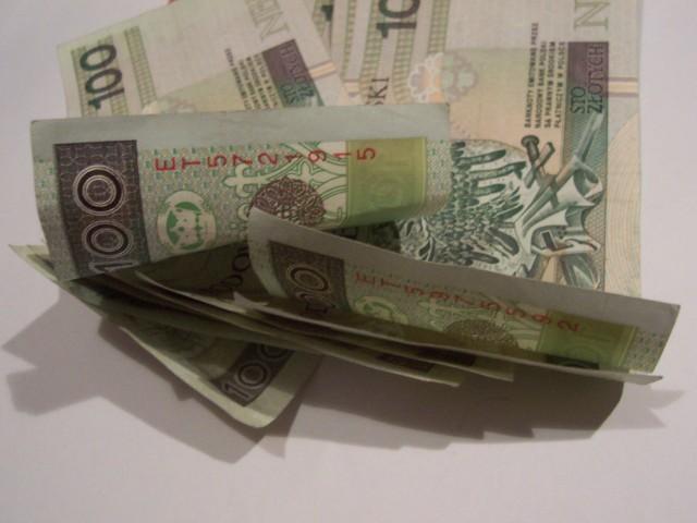 ZłotyZgodnie z nową wytyczną KNF-u wkład własny przy kupnie domu lub mieszkania za pieniądze z kredytu będzie obowiązkowy.