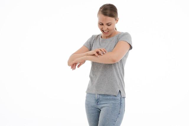Pokrzywka jest częstym i wyniszczającym schorzeniem, trudnym zarówno dla pacjentów, jak i leczących lekarzy.