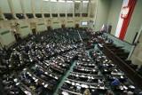 Koronawirus w Polsce: Debata w Sejmie. Informacja rządu nt. koronawirusa. Spotkanie prezydenta, premiera i ministrów