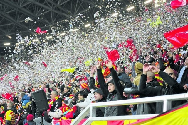Mecz z Pogonią Szczecin był największym wydarzeniem tego sezonu, z racji oddania do użytku wszystkich trybun nowego stadionu.