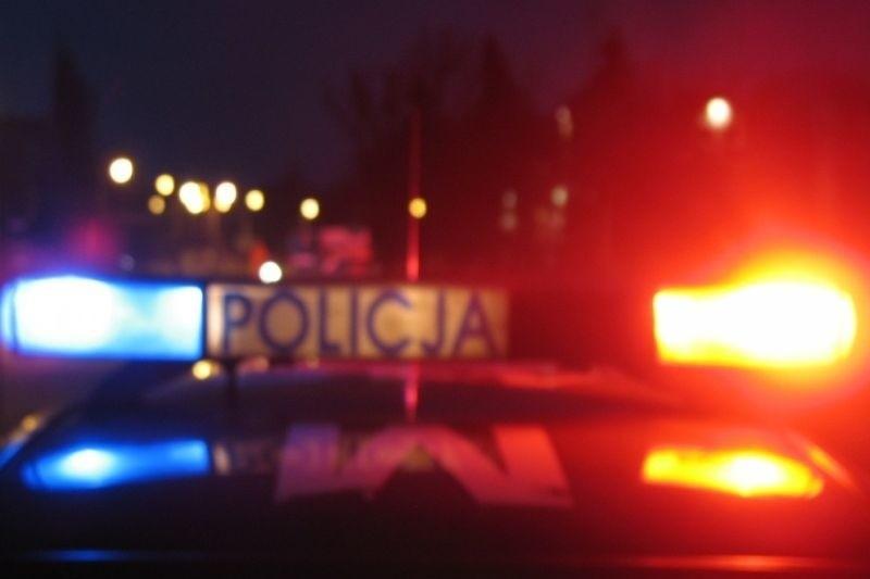 Incydent miał miejsce w nocy z poniedziałku na wtorek przed hotelem Gołębiewski. Wysoki rangą oficer wojewódzkiej policji, były szef drogówki, zobaczył tam policjanta kończącego interwencję.