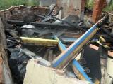 Po drewnianej altanie pozostały tylko zgliszcza. Trwa policyjne dochodzenie