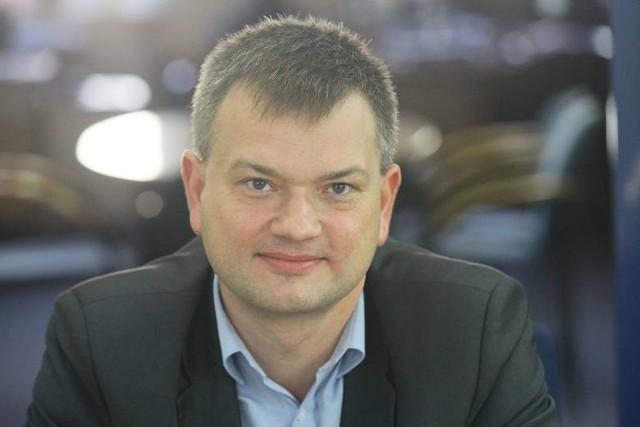 Michał Baryła, dyrektor Wydziału Ochrony Środowiska i Rolnictwa UMŁ jest zadowolony, że łodzianie złożyli dużo wniosków o dotację do wymiany starych pieców.