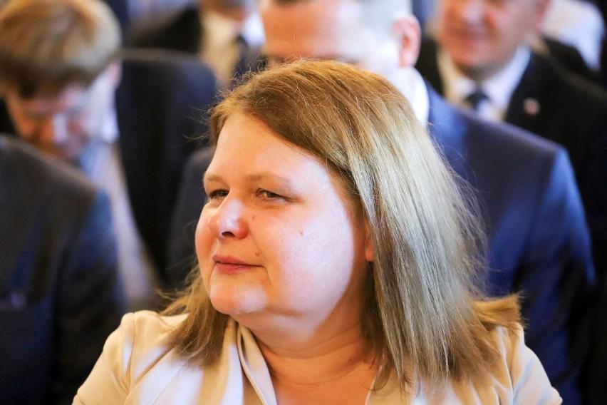 Katarzyna Bagan - Kurluta - klub Koalicja Obywatelska. Ma 52...