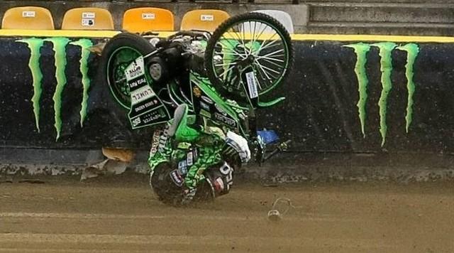 Wypadek Patryka Dudka, żużlowca Falubazu Zielona Góra, podczas turnieju Grand Prix w Gorzowie w sezonie 2020.