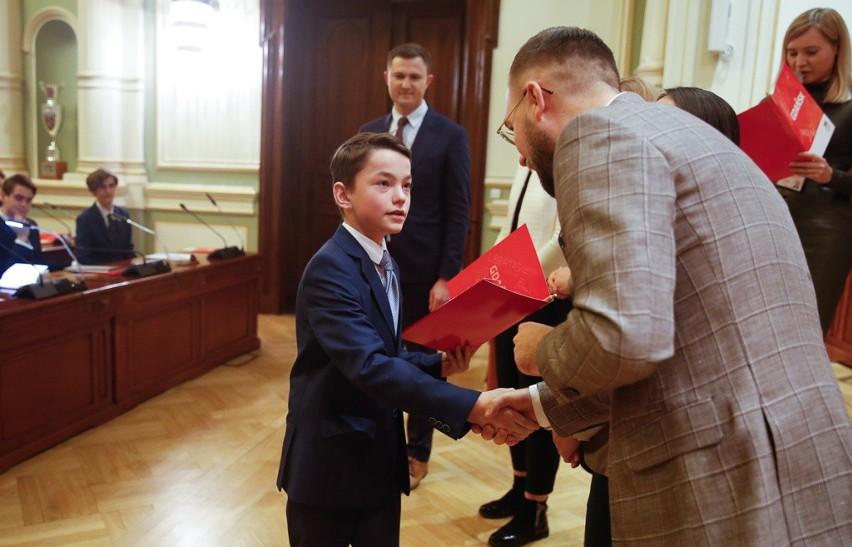 Inauguracja V kadencji Młodzieżowej Rady Miasta Gdańska. Ma ona doradzać radnym miejskim w sprawach dot. młodzieży
