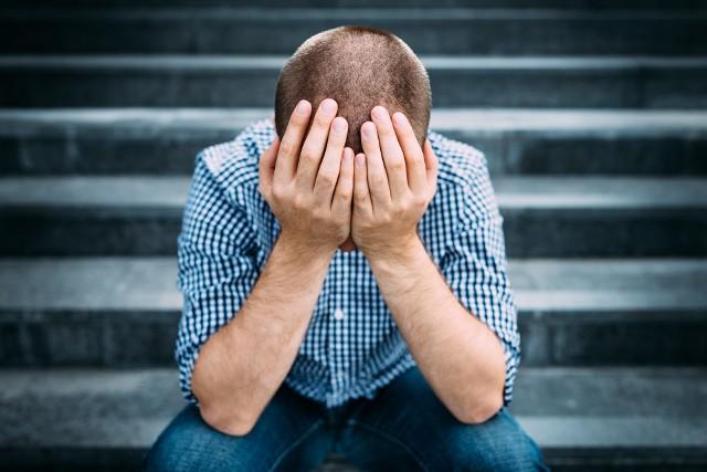 Jak wynika z badania, kobiety częściej doświadczają silnego stresu niż mężczyźni