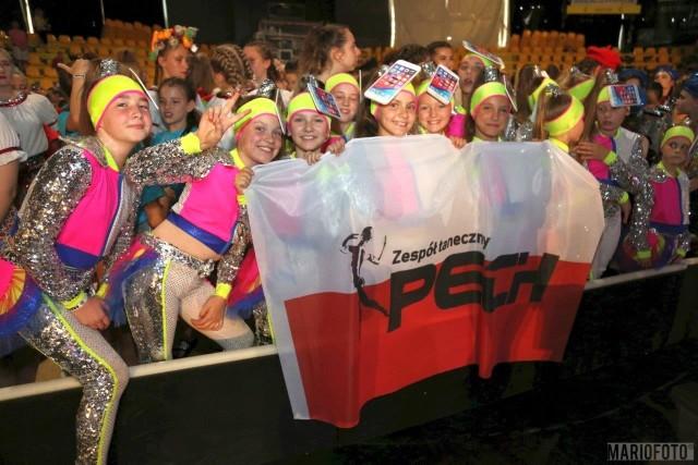 W weekend Zespół Taneczny Pech uczestniczył w Mistrzostwach Europy disco dance show oraz Pucharze Świata disco dance w Bratysławie. Pech zdobył dwa złote medale w kategorii formacji juniorów i seniorów, srebrny medal w kategorii mini formacji dzieci oraz brązowy medal w Pucharze Świata w kategorii dorosłych Adults 2. W zawodach uczestniczyło prawie 100 tancerzy Zespołu Pech.