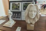 Pomnik Ireny Jarockiej wykona Studio rzeźby Macieja Jagodzińskiego-Jagenmeera. Stanie na skwerze imienia artystki w Oliwie