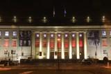 Biało-czerwona iluminacja Dolnośląskiego Urzędu Wojewódzkiego