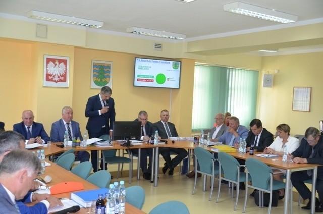 Przedstawiciele PiS zasiadający w Radzie Powiatu Suwalskiego odrzucili wniosek o wypracowanie stanowiska w sprawie tzw. piątki dla zwierząt