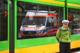 Zderzenie samochodu z tramwajem na Winogradach w Poznaniu