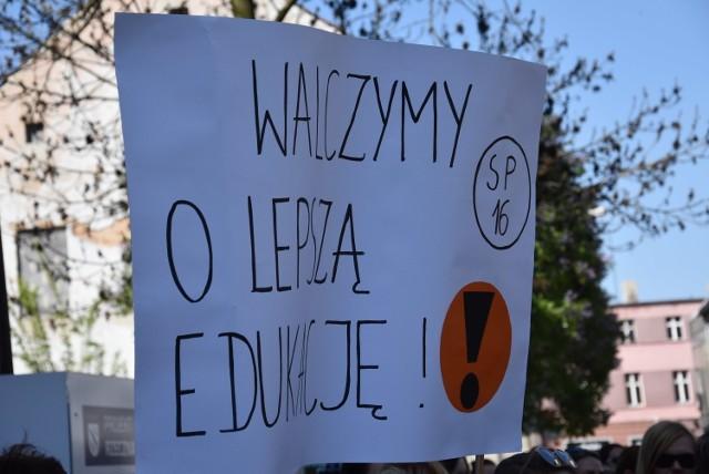 Protest włoski nauczycieli? Na Śląsku wiele szkół nie przystąpiło do akcji