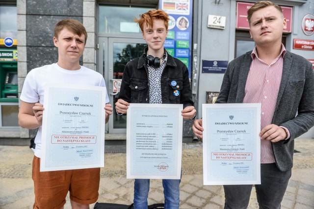 Młodzi .Nowocześni surowo ocenili ministra edukacji