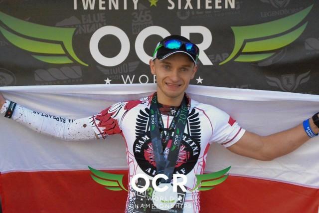 Mateusz Karczmarski zajął 19. miejsce w swojej kategorii wiekowej.
