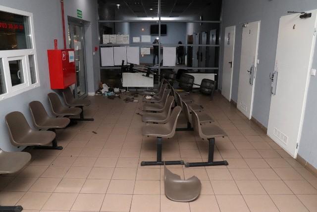45-latek z powiatu nakielskiego nie potrafił wytłumaczyć dlaczego spowodował szkody na dworcu autobusowym w Radziejowie.