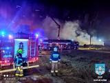 Ogromny pożar koło Nowej Soli! Z ogniem walczyło 19 zastępów straży pożarnej. Akcja zakończyła się rankiem w poniedziałek