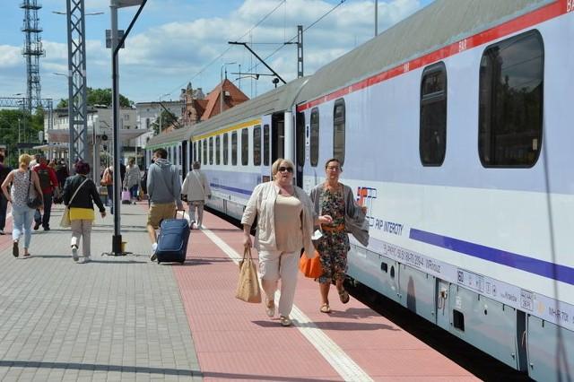PKP Intercity zawiesił sprzedaż biletów na składy Intercity od 9 czerwca do 31 sierpnia 2019 roku, czyli w okresie wakacyjnym.