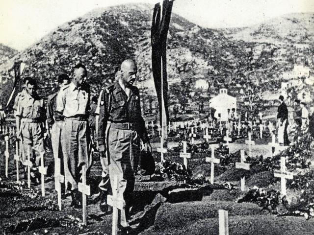W bitwie pod Monte Cassino zginęło ponad 900 żołnierzy gen. Władysława Andersa (na zdjęciu idzie pierwszy).  32 pochodziło z naszego regionu, 7 urodziło się lub mieszkało w Bydgoszczy