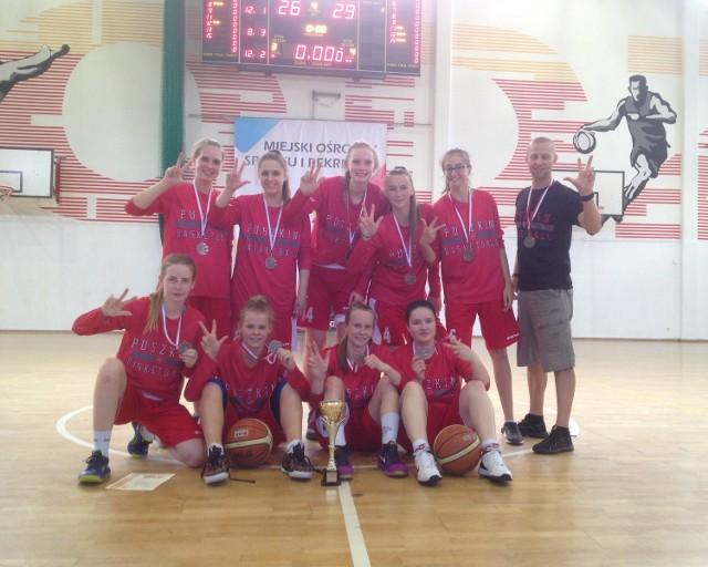 Oto zwycięska ekipa: Natalia Bury, Joanna Drabik,Paula Duchnowska, Klaudia Kędziorska, Agata Kustrzyńska, Magdalena Lasocka, Weronika Relich,Aleksandra Skorupa i Marta Tokarczyk oraz Robert Duchnowski.
