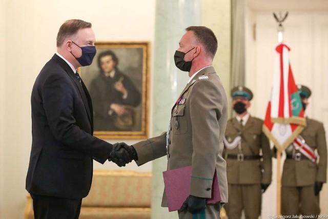 Na zdjęciu prezydent RP Andrzej Duda i gen. bryg. SG Robert Inglot.