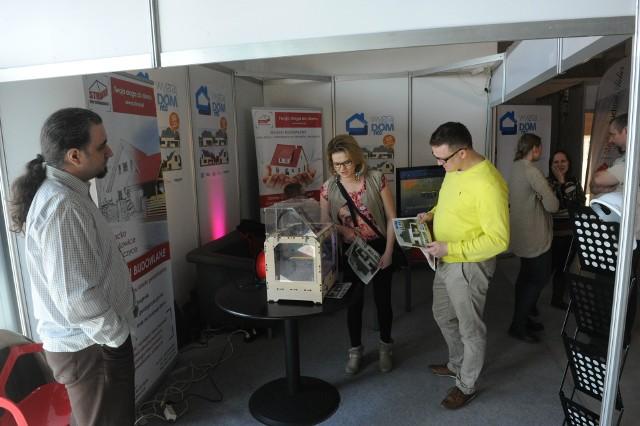domexpo opoleNa stoisku targowym Nowej Trybuny Opolskiej można było zobaczyć, jak w technologii 3D drukowany jest opolski dom, który będą mogli wygrać czytelnicy nto, biorący udział w wielkiej loterii. Startuje ona 2 kwietnia.