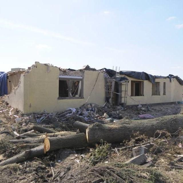 Zniszczony dom w Sieroniowicach.