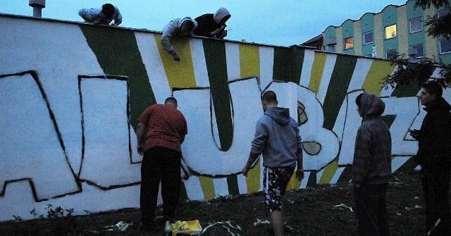 Kibice Falubazu ozdabiają miasto takimi obrazkami, za tydzień dzieło będzie skończone
