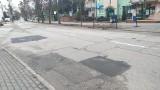Chełmno. Dziury w drogach - ZWiK i Urząd Miasta Chełmna oddzielnie wyłaniają wykonawców napraw
