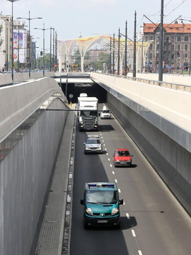 Zamykają tunel na trasie WZ
