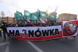 Uczcili Burego. III Hajnowski Marsz Pamięci Żołnierzy Wyklętych przeszedł przez miasto. Były głośne i ciche protesty (zdjęcia, wideo)