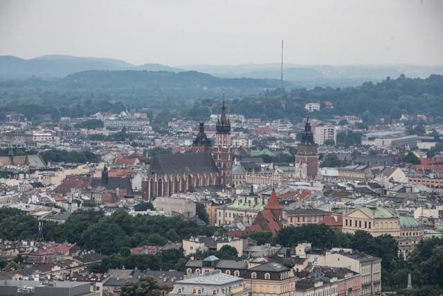 Raport cen mieszkań w Krakowie - wrzesień 2020 wg Sonar Home. Zobacz, w której dzielnicy średnia cena za metr kwadratowy jest najniższa, a w której najwyższa. Przesuwaj zdjęcia w prawo - naciśnij strzałkę lub przycisk NASTĘPNEZOBACZ RANKING DZIELNIC >>>
