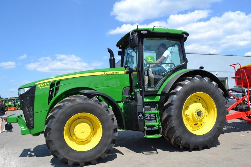 Rolnicy nadal wolą kupować używane ciągniki, nowe stoją [infografika]