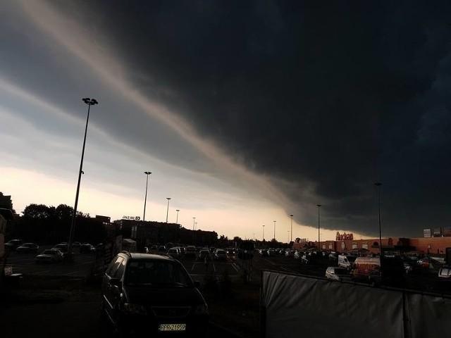Radar burz ONLINE: Gdzie jest burza? Sprawdź na mapie burzowej. Nad woj. podlaskie nadciąga burza [07.06.2019]