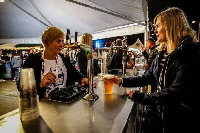 Już piąty raz okolice gdańskiego Stadionu Energa Gdańsk goszczą miłośników piwa z całego regionu. W tym roku nie zabrakło piwnych nowości, a także wypróbowanych smaków z Browaru Amber.