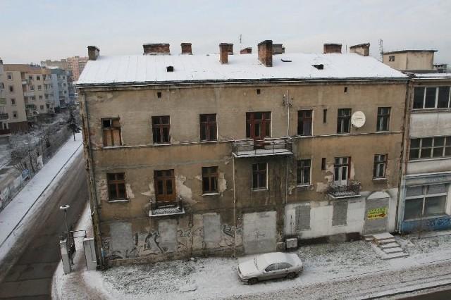 Budynek przy ulicy Chęcińskiej 14 w KielcachTen budynek przy ulicy Chęcińskiej 14 w Kielcach zostanie wystawiony na sprzedaż w tym roku.