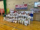 Pierwszy start Kieleckiego Klubu Sportowego Karate od roku. Sukces na zawodach w Turku i 20 medali [ZDJĘCIA]