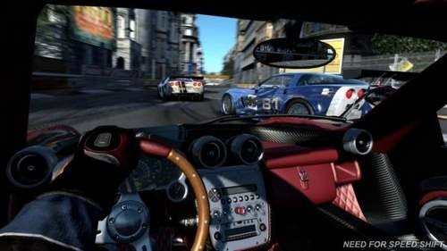 Screen z Need for Speed SHIFT.