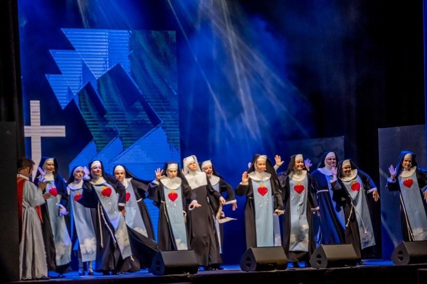 Przyszli tancerze Teatru Muzycznego w Poznaniu muszą się...