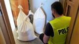 Przewoziła worki z nielegalnym tytoniem w bagażniku mitsubishi. Skarb Państwa straciłby ok. 34 tys. zł