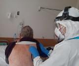 Wzrost hospitalizacji z powodu COVID-19 w regionie. Pod respiratorami walczą 34 osoby