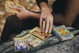 WIOSENNY tarot na maj dla wszystkich znaków zodiaku! Co czeka cię w miłości i w pracy?