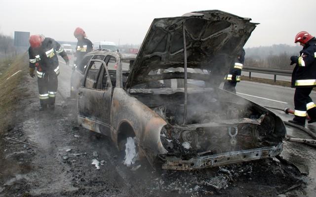 W sobotę, 10 kwietnia, na autostradzie A1 zapalił się samochód osobowy