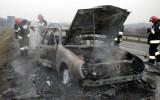 Wypadek na autostradzie A1 pod Świeciem niedaleko Grupy. Cały samochód stanął w ogniu