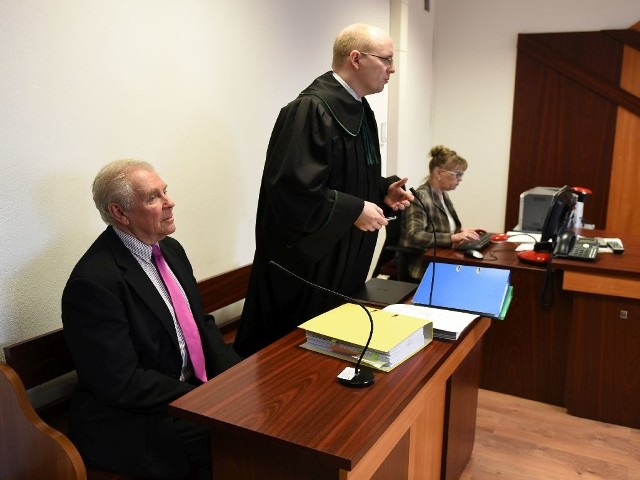 Paul Cameron, 75-letni psycholog z Colorado, stawił się w toruńskim sądzie i odpowiadał na pytania prawników