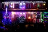Niezwykle oświetlony dom na święta w Chojnicach! Ozdabiają go tysiące lampek. Zobaczcie zdjęcia!