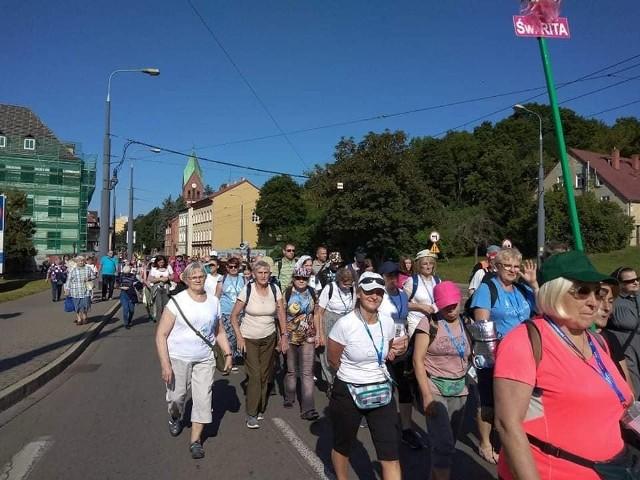 Blisko 200 pielgrzymów wyruszyło 31 lipca na Jasną Górę.