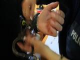 19 i 12-latek wyrywali kobietom torebki. Policja złapała złodziei