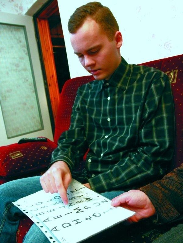 Maciek Oksztulski z Białegostoku to pierwszy autysta niemówiący w Polsce, który zdał maturę i dostał się na studia