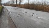 Drogi w powiecie kwidzyńskim. Niektóre są w katastrofalnym stanie... [ZDJĘCIA/VIDEO]